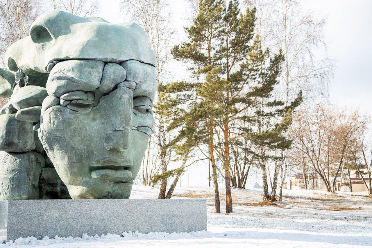 Sculpture by Dashi Namdakov